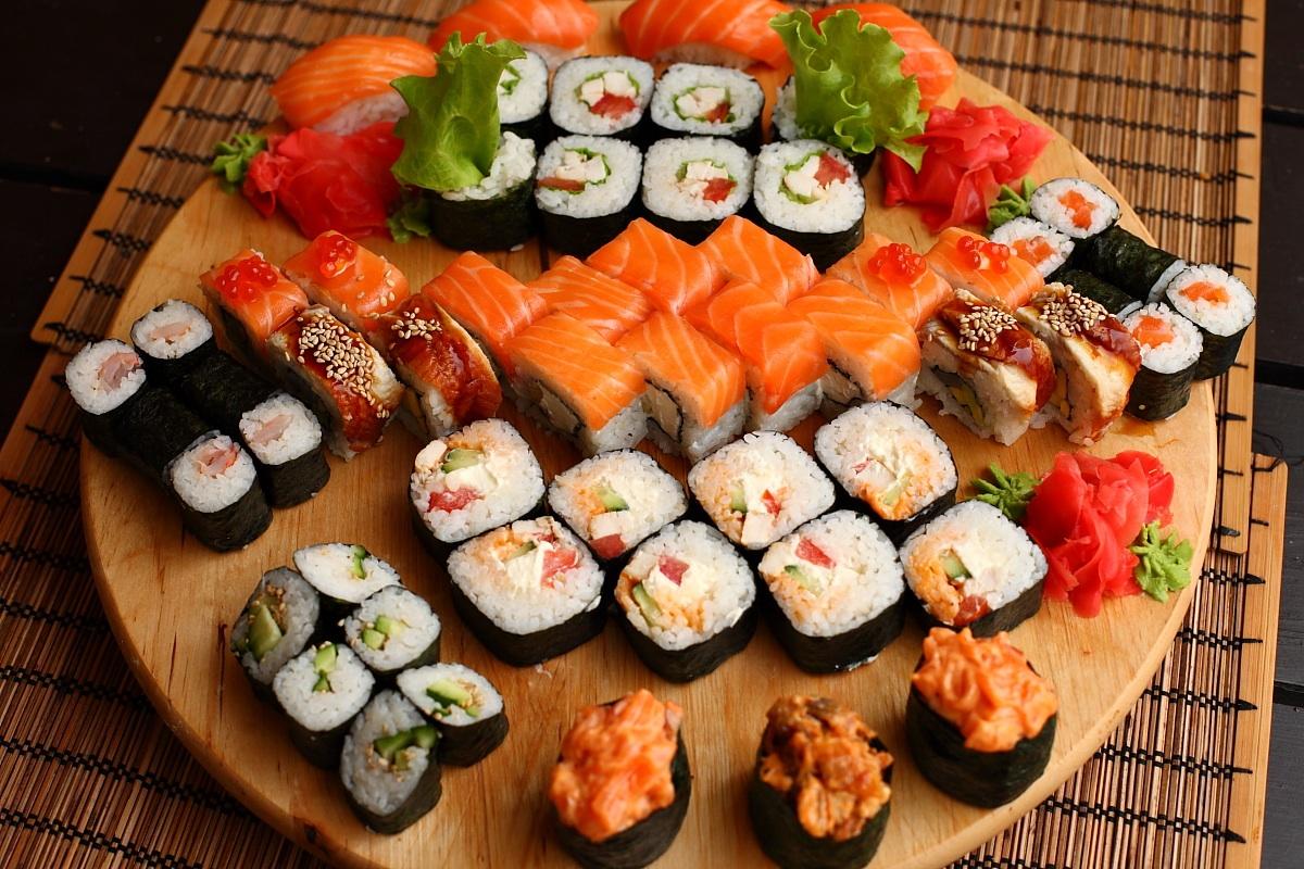Фото суши роллы и пиво - 0295d